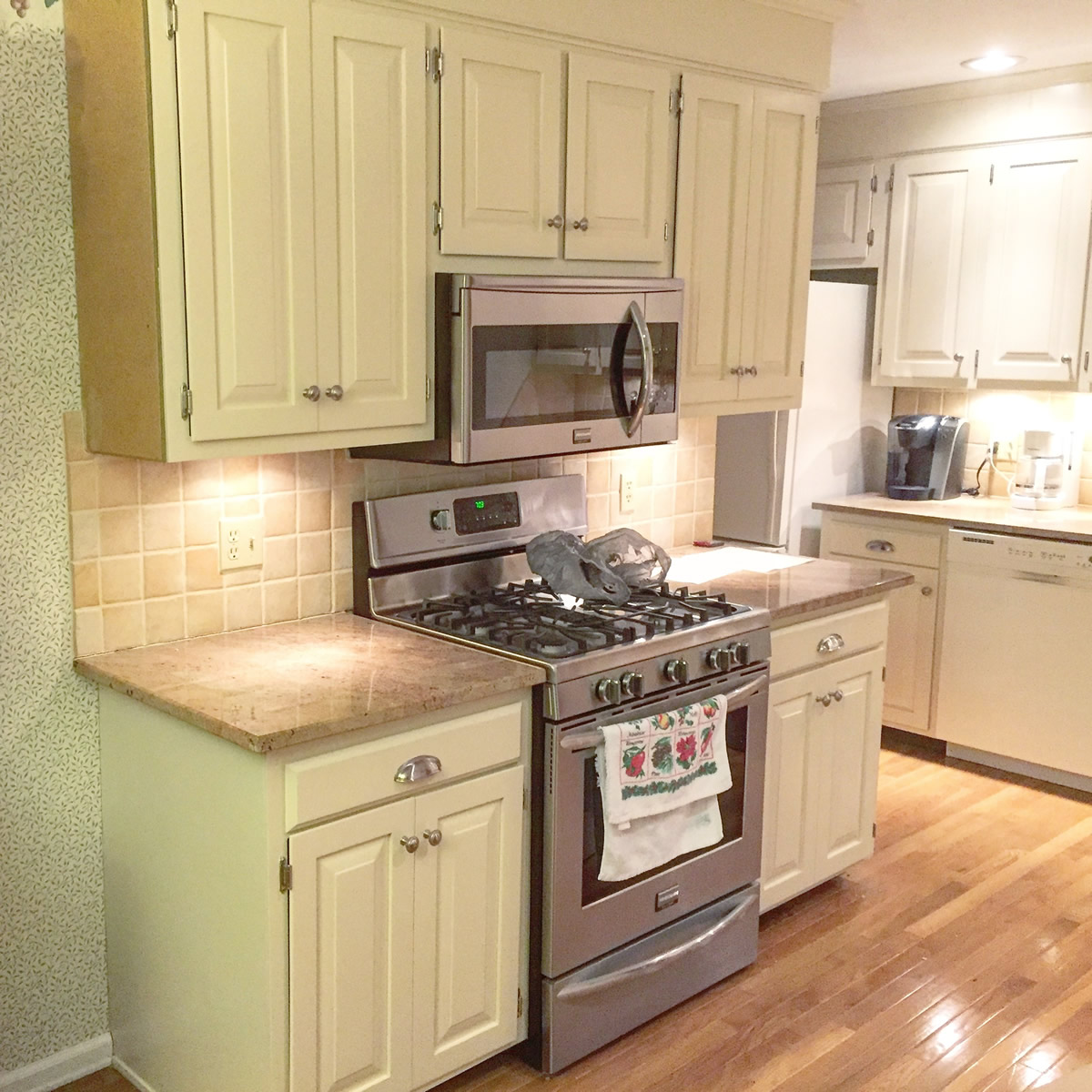After: Off White Kitchen Finish, Southington, CT